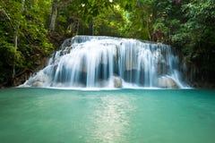 Erawanwaterval, het Nationale Park van Erawan Stock Afbeeldingen