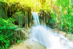 Erawanwaterval, het Nationale Park van Erawan in Kanchanaburi in Thaila Stock Foto's