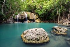 Erawanwaterval, het Nationale Park van Erawan in Kanchanaburi, Thailand Royalty-vrije Stock Foto's