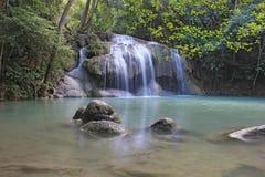 Erawanwaterval, het Nationale Park van Erawan in Kanchanaburi, Thailand Royalty-vrije Stock Afbeeldingen