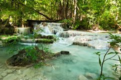 Erawanwaterval met kalksteen, Thailand Stock Afbeeldingen