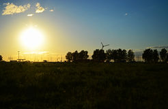 Erba la natura di picnic di calma di serenità della pianta delle nuvole della foresta dei paesaggi del rubinetto del campo della  Immagine Stock Libera da Diritti