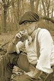 Erba mate bevente dell'uomo della foresta Fotografie Stock Libere da Diritti