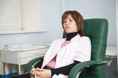 Erba medica della donna Fotografia Stock