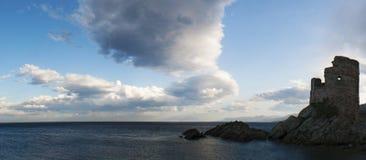 Erbalunga, wycieczki turysycznej d'Erbalunga, wierza, schronienie, genueńczyka wierza, Corsica, nakrętka Corse, Haute Corse, Gó Zdjęcie Royalty Free