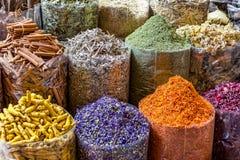Erbe e spezie tradizionali mercato arabo/islamico fotografia stock libera da diritti