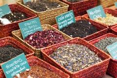 Erbe e tè differenti nel mercato Fotografia Stock Libera da Diritti