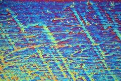 Erbiumnitratkristalle unter dem Mikroskop Stockbild