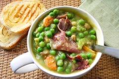 Erbsen-und Schinken-Suppe Stockfoto