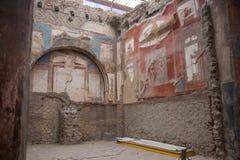 Ercolano, ИТАЛИЯ - 4-ое ноября 2018 Фреска старого римского города Геркуланума, кампания, Италия стоковые изображения rf