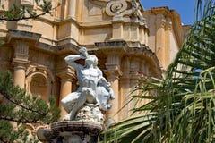 Ercole Fountain bei Noto Sizilien Italien lizenzfreie stockfotos