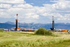 Erdölbohrung-Anlagen Stockfotografie