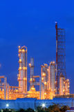 Erdölraffinerie lizenzfreie stockfotografie