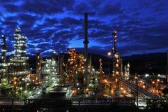 Erdölraffinerie nachts, Burnaby Lizenzfreie Stockfotos