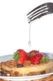 Erdbeere auf Waffel Lizenzfreies Stockbild