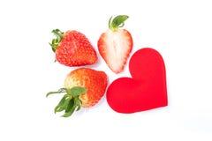 Erdbeere auf weißem Hintergrund stockfotos