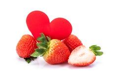 Erdbeere auf weißem Hintergrund stockfotografie