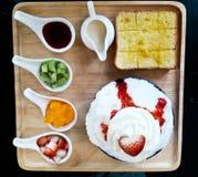 Erdbeere Bing Su lizenzfreies stockfoto