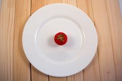 Erdbeere in der Platte Stockfotografie