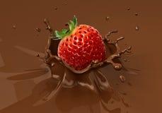 Erdbeere, die in das flüssige Schokoladenspritzen fällt Lizenzfreie Stockfotografie