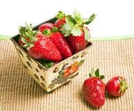 Erdbeere in einer Wanne Stockfotografie
