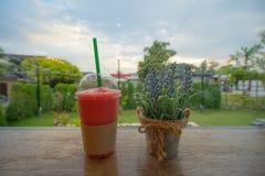 Erdbeere-frappuccino Smoothie lizenzfreie stockfotografie