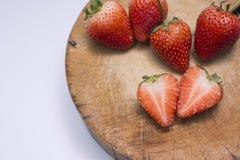 Erdbeere geschnitten stockbilder