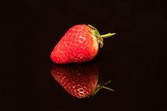 Erdbeere getrennt Lizenzfreie Stockfotografie
