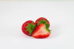 Erdbeere getrennt auf weißem Hintergrund Stockbilder