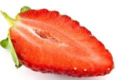 Erdbeere halb. Lizenzfreies Stockbild