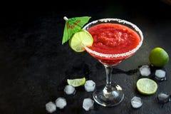Erdbeere- Margarita oder Daiquiri Ð ¡ ocktail lizenzfreie stockfotografie