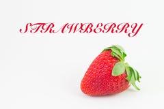 Erdbeere mit weißem Hintergrund und Schreiben lizenzfreie stockfotos