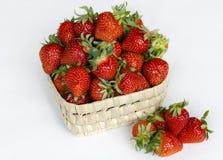 Erdbeere, rote Beere reif, wohlriechend, süß, geschmackvoll lizenzfreies stockfoto