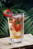 Erdbeere-Salbei gefror Tee Stockbilder