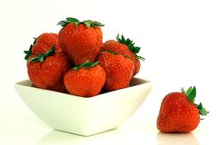 Erdbeere-Schüssel Lizenzfreie Stockfotos