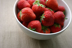 Erdbeere-Schüssel stockfoto