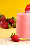 Erdbeere-Sommer-Getränk Lizenzfreies Stockfoto