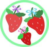 Erdbeere-Trio im Kreis Lizenzfreie Stockbilder