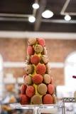 Erdbeere u. Schokolade Macarons Stockbild