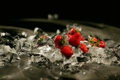 Erdbeere und Eis Lizenzfreie Stockfotos