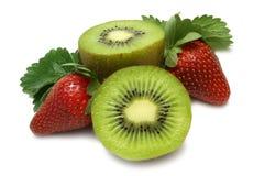 Erdbeere und Kiwi Stockbilder
