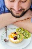 Erdbeere- und Kiwikuchen Lizenzfreies Stockfoto