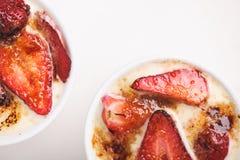 Erdbeere und Schokoladencreme Stockbilder