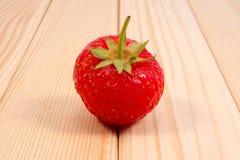 Erdbeere wodden an Tabelle Stockbild