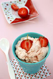 ErdbeereEiscreme Stockbild