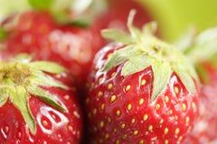Erdbeeremakro lizenzfreie stockbilder