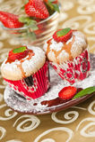 Erdbeeremuffins Stockfoto