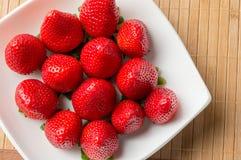 Erdbeeren der Zeit lizenzfreie stockfotos
