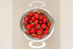 Erdbeeren, Design, Tabelle, Lebensmittel, Frucht, Vitamine, gesund, Diät, Sommer, geschmackvoll lizenzfreies stockfoto