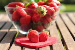 Erdbeeren in einem Glas Lizenzfreie Stockbilder